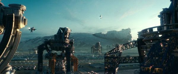Humans build new military bases designed to defend against a future alien attack on Earth, with the remains of a crashed alien destroyer from the War of 1996 lurking in the distance...in INDEPENDENCE DAY: RESURGENCE.