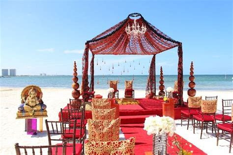 10 Reasons to Have an Indian Beach Wedding ? India's