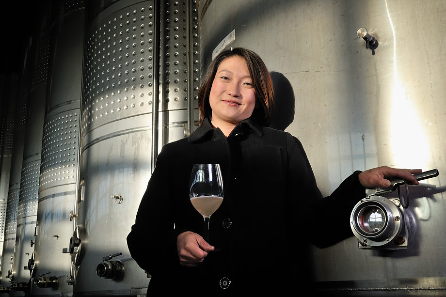 'wine queen' • penglai, china © marc montebello all rights reserved