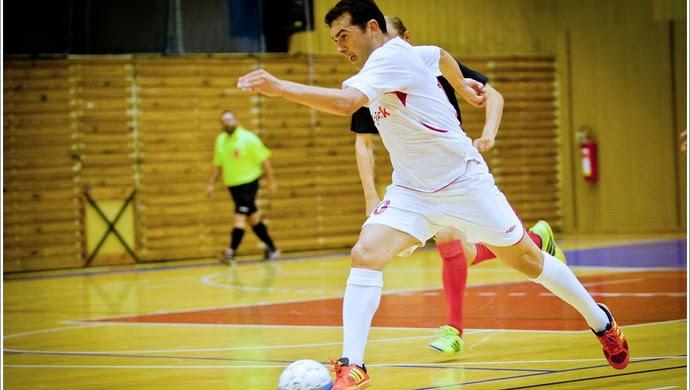 Potiguar Emerson Dentinho joga futsal na República Tcheca (Foto: Divulgação)