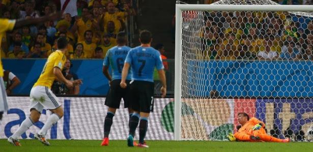 James Rodríguez marca para a Colômbia contra o Uruguai na Copa; gol está na lista