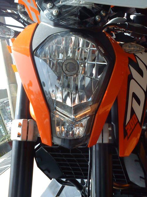 KTM Duke 200 Headlamps