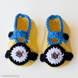 Minion_inspired_baby_booties_crochet_pattern_small_small2