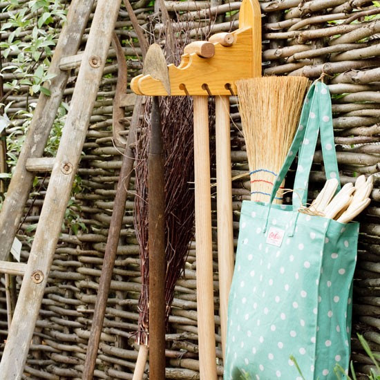 Hanging rack | Country garden design | Garden buys | Garden | PHOTO GALLERY | Housetohome