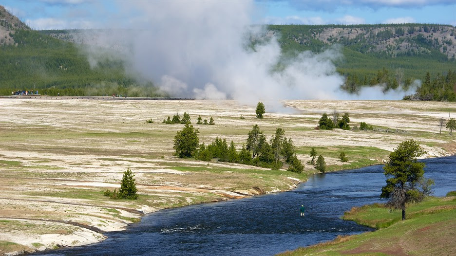 Yellowstone National Park Vacations 2017: Package & Save ...