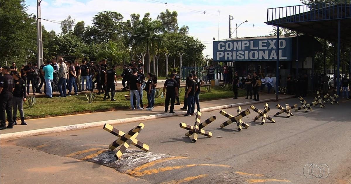 Resultado de imagem para Vigilantes penitenciários temporários entram em greve em Goiás