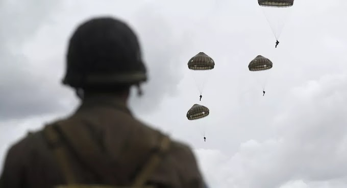 Paraquedistas dos EUA terminam caindo em árvores e são hospitalizados na Alemanha
