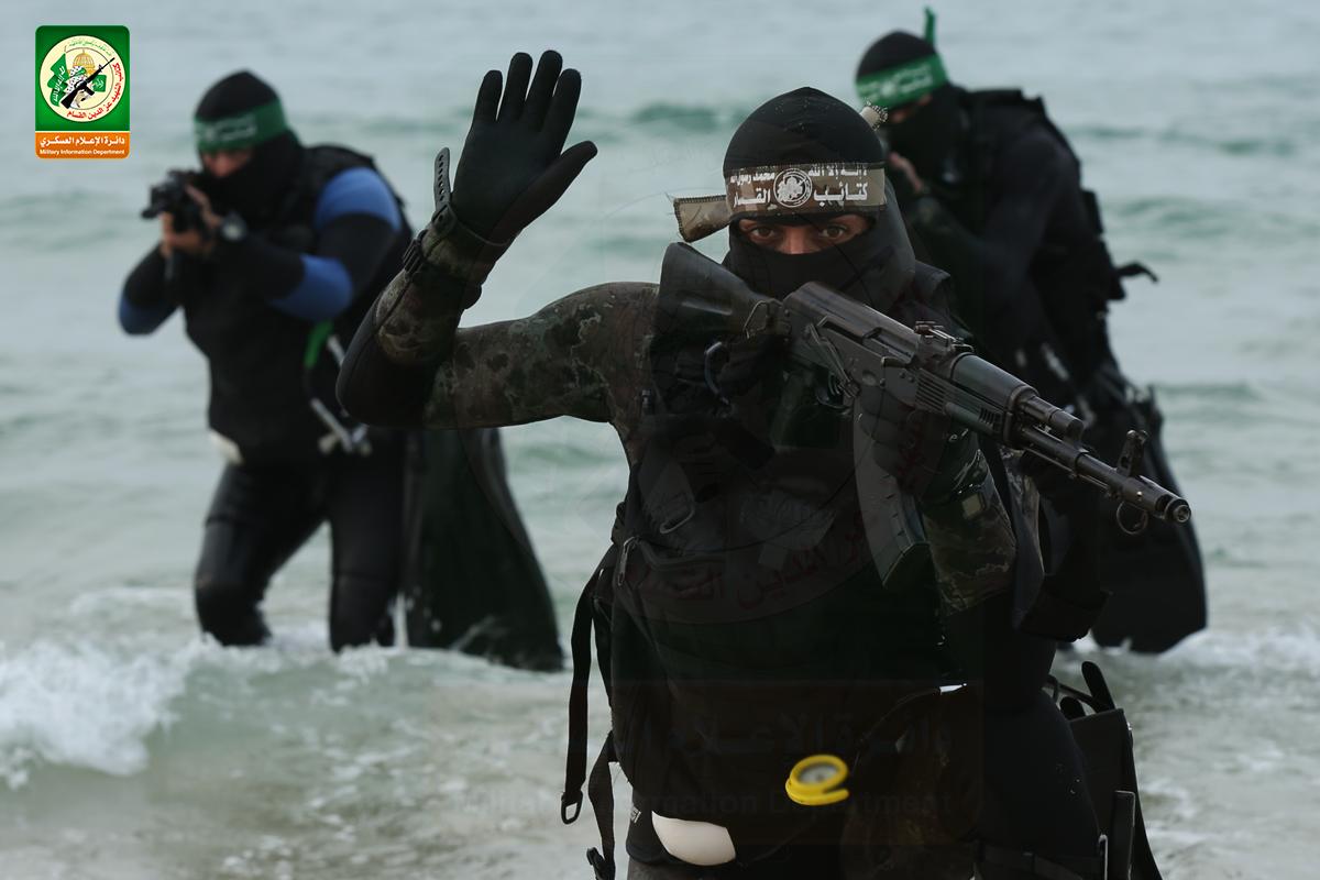 Israel ataca alvos das forças navais do Hamas em resposta à agitação em Gaza