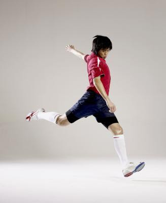 How To Kick A Soccer Ball High. Kicking a soccer ball is one
