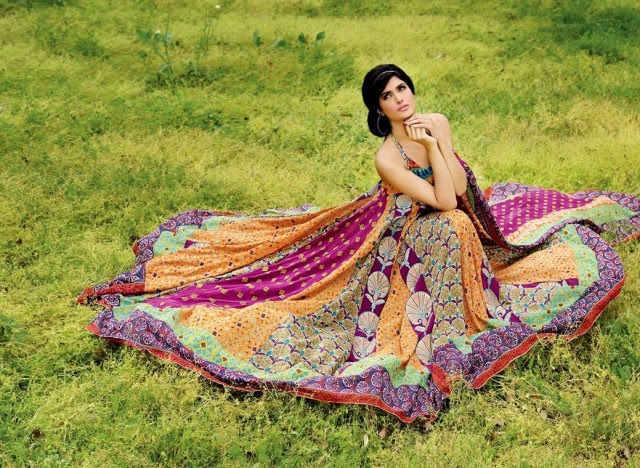 Firdous-Embroidered-Swiss-Voile-2013-Dresses-Collection-New-Fashionable-Clothes-3