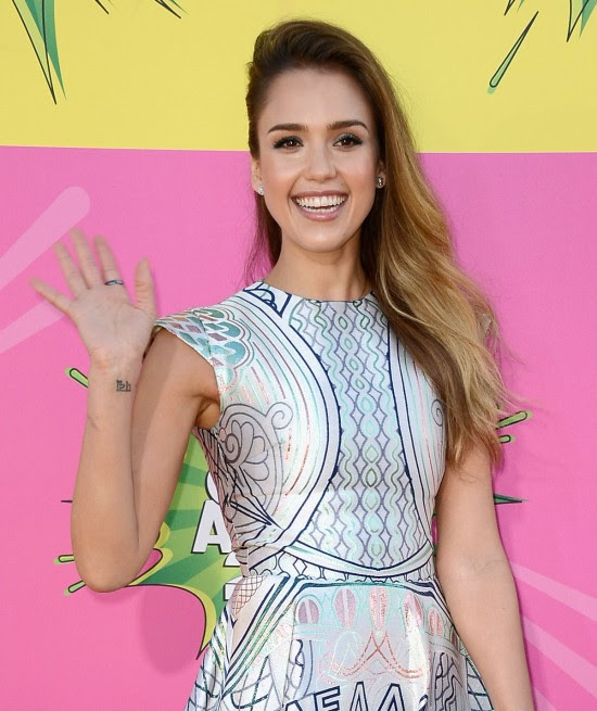 Jessica-Alba-at-Nickelodeons-26th-Annual-Kids-Choice-Awards-in-Los-Angeles-Pictures-Photos-