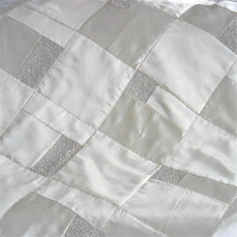 Wedding Dress Quilt, Medium 36x48 ? The Patchwork Bear