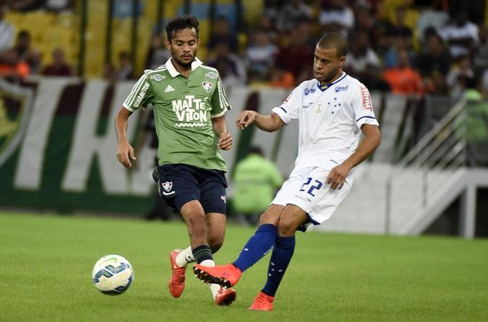 Gustavo Scarpa Myke Fluminense x Cruzeiro Maracanã (Foto: André Durão)