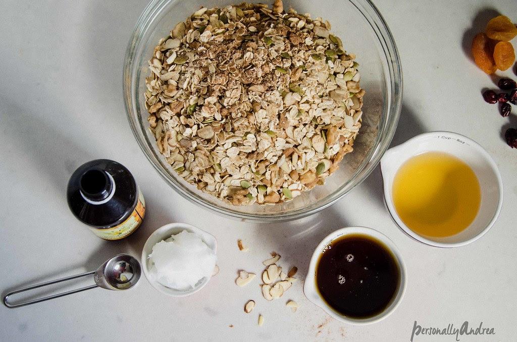 Cinnamon Spiced Homemade Granola | personallyandrea.com