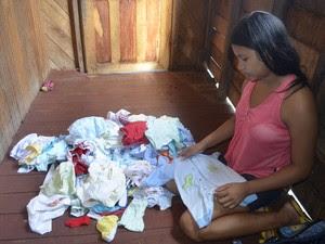 Rayana Sanches, de 14 anos, mãe do bebê Pedro Henrique (Foto: Dyepeson Martins/G1)