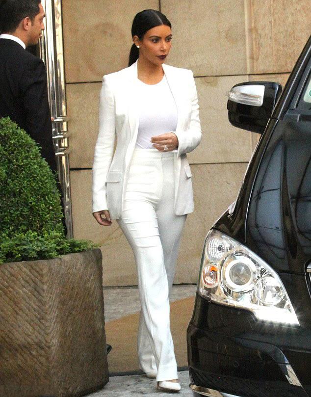 Kim-Kardashian-Wears-All-White-in-Prague