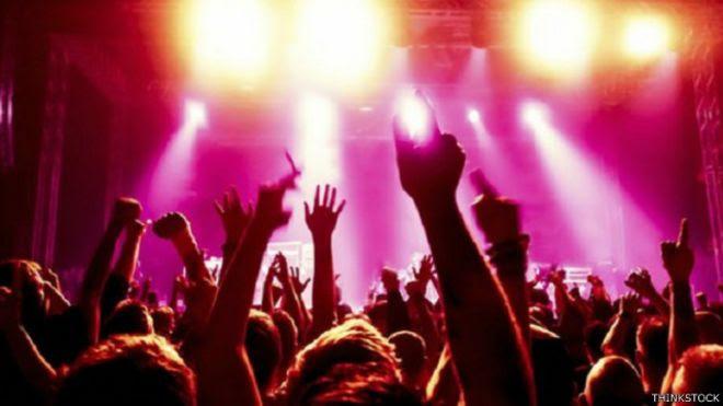 منظمة الصحة العالمية تحذر من الاستماع إلى الموسيقى الصاخبة