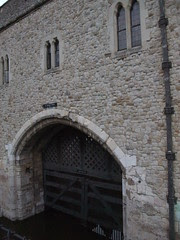 LondonTraitors Gate