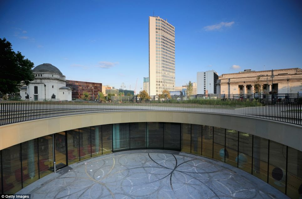 Facilities: A view of the outdoor amphitheatre of the new Library of Birmingham at Centenary Square