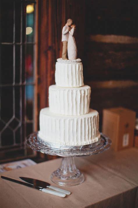 Simple 3 tiered wedding cake
