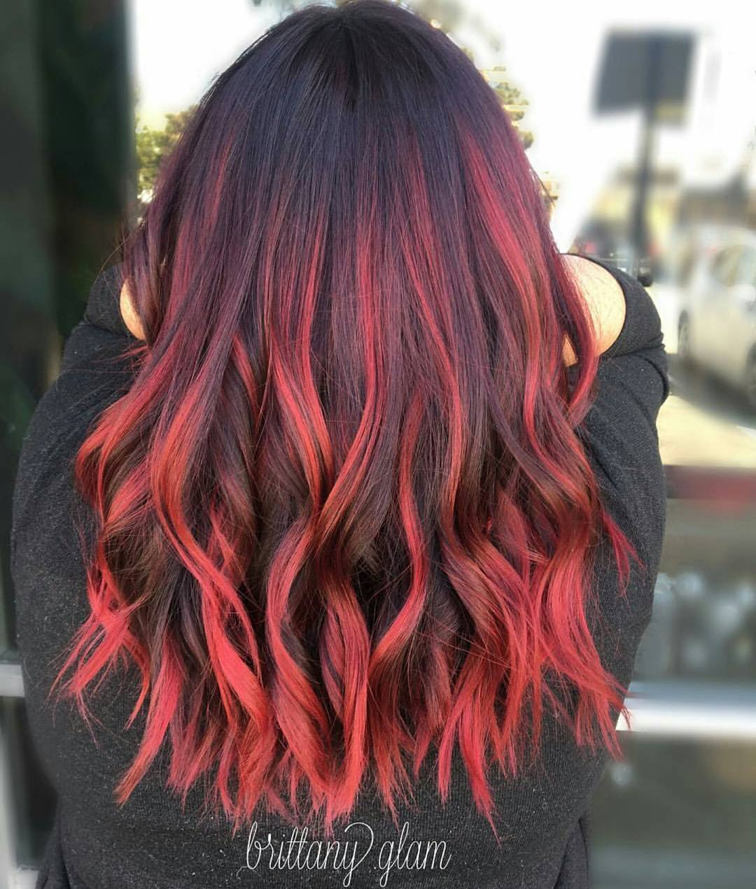 10 Medium Length Hairstyles For Thick Hair In Super Sexy Colors