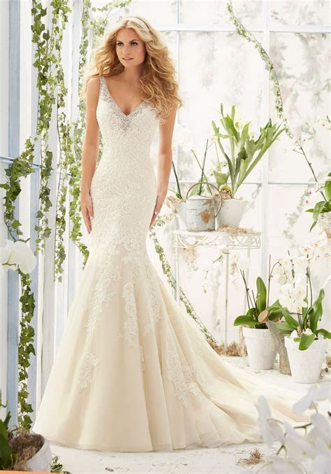 Lace Appliques on Net Satin Wedding Dress   Style 2803