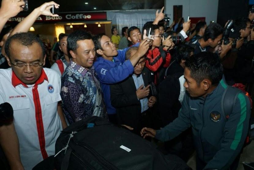 Menpora Minta Rakyat Indonesia Doakan Timnas Juara Piala AFF  Republika Online