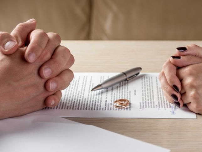 Los mexicanos se casan menos y se divorcian más
