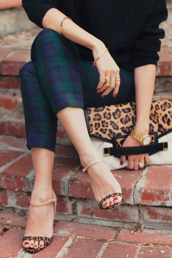 """@Chriselle Buendia Lim is loving her Rafe """"Sarina"""" leopard print envelope clutch available @sharan's"""