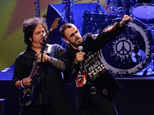 Ringo Starr se apresenta em São Paulo para 4 mil pessoas