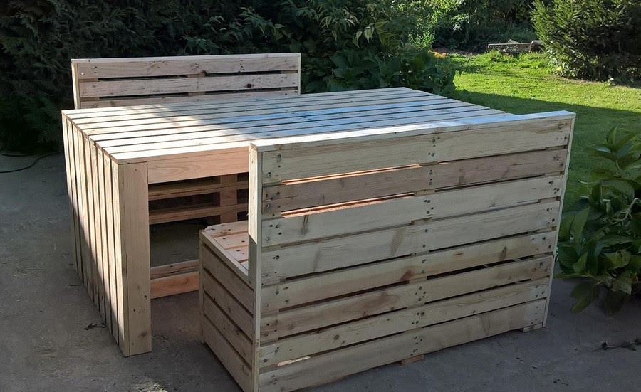 Recycled Pallet Patio Table with Benches | Pallet Ideas
