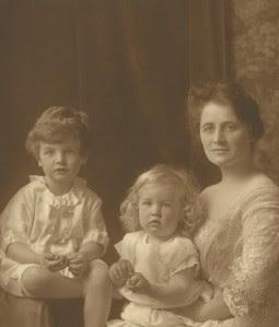 Lousia and children