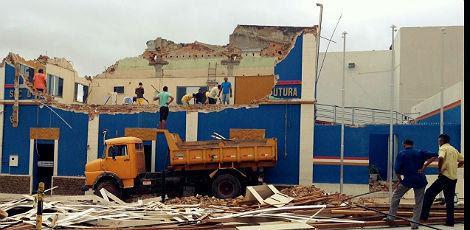 Primeiro andar foi quase todo abaixo / Foto: Gabriela Cysneiros / Divulgação