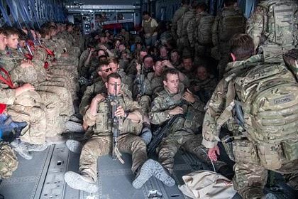 Последний самолет с британскими военными покинул Афганистан