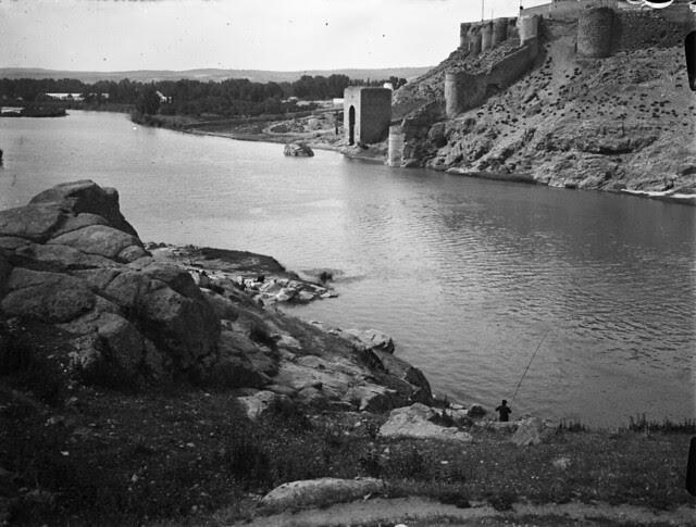 Baño de la Cava en los años 20. Fotografía de Otto Wünderlich. © Fototeca del Patrimonio Histórico