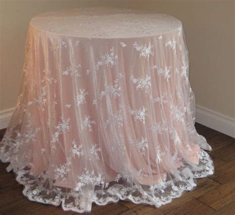 Best 25  Lace table ideas on Pinterest   Lace runner