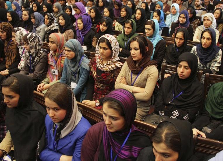 150 niñas envenenadas por estudiar