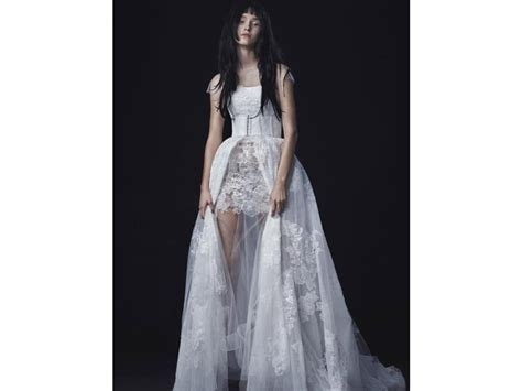 Vera Wang Lucia, $5,800 Size: 8   Sample Wedding Dresses