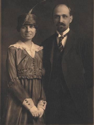 Zenobia Camprubí y Juan Ramón Jiménez, el día de su boda, en la iglesia de St. Stephen, en Nueva York, el 2 de marzo de 1916.