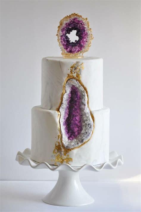 27 Trendy And Bold Amethyst Wedding Ideas   Weddingomania