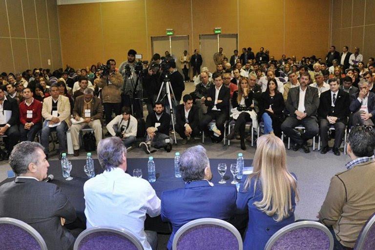 Intendentes de todo el país se dieron cita en el Centro de Convenciones