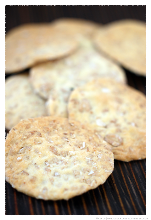 rolled spelt crackers© by Haalo