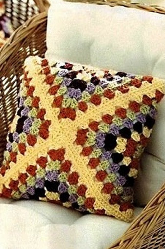 Knitted cushion hook