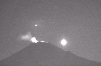 Luz estranha sobre o vulcão Popocatepetl
