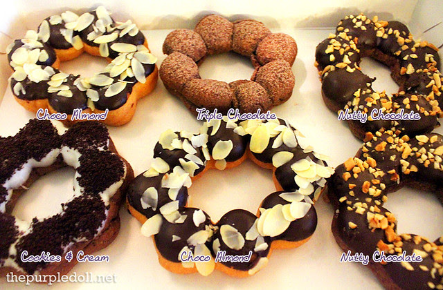 Gavino's Donuts Choco Almond, Tripe chocolate, Cookies and Cream, Nutty Chocolate