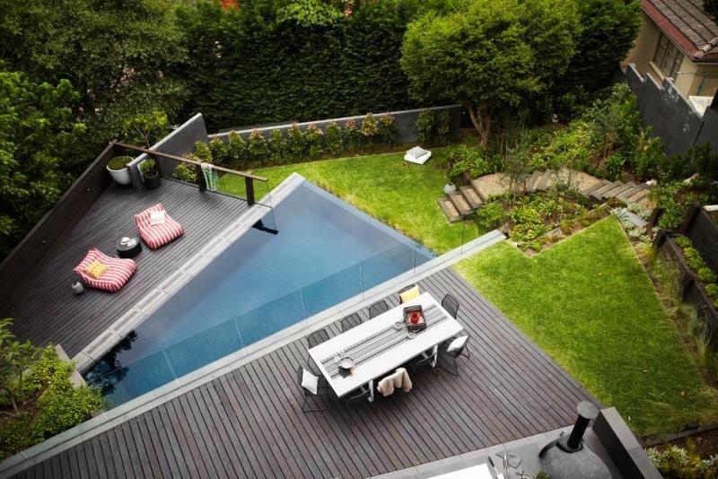 piscine exterieur terrasse moderne plage bois composite chauffeuses