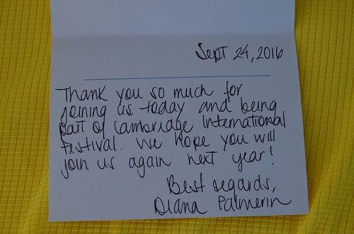 '图8:主办方代表戴安女士送给学员的感谢卡片并邀请明年再来'