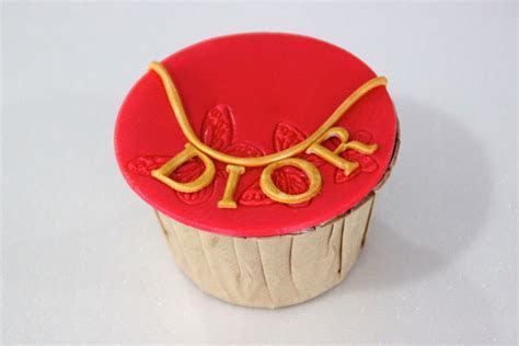 Fashion Anniversary Cupcakes