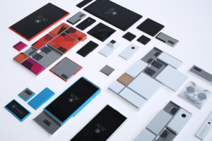 Project Ara scattered parts.png