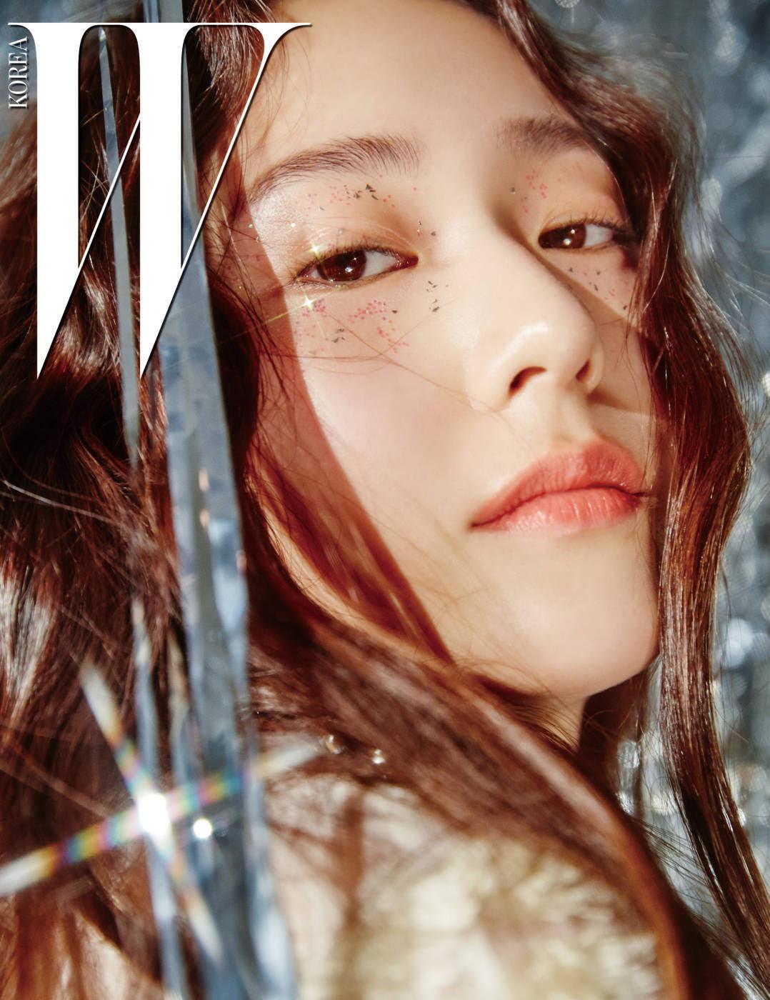 Krystal ( F(x) ) - W Magazine January Issue '17